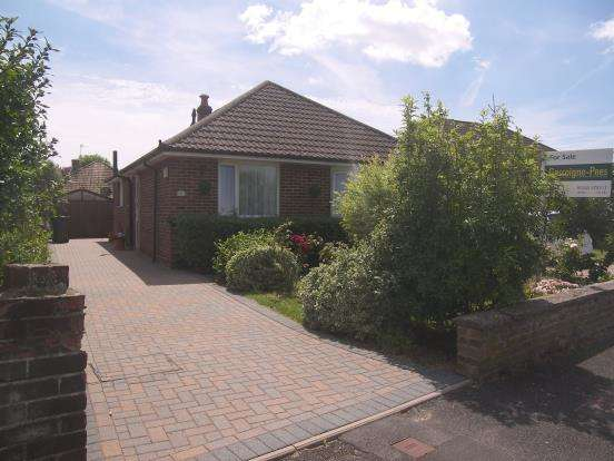 2 Bedrooms Bungalow for sale in Emsworth, Hampshire