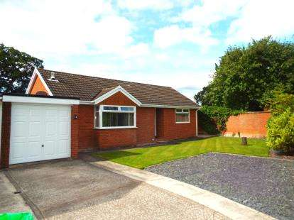 3 Bedrooms Bungalow for sale in Kestrel Close, Winsford, Cheshire