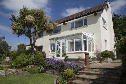 3 Bedrooms Detached House for sale in Marazion, Cornwall