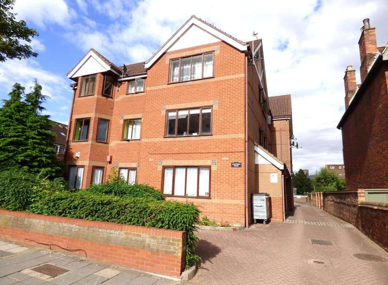 1 Bedroom Flat for sale in Conduit Road, Bedford, MK40 1EQ