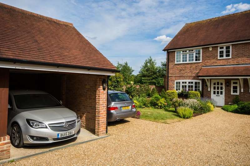 2 Bedrooms Property for sale in Coldharbour Lane, Thorpe, Egham, TW20