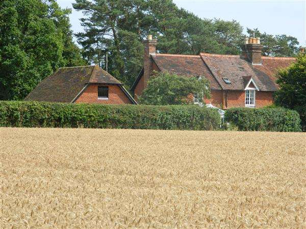 4 Bedrooms House for sale in Northern Cottage, Duncton Common, Petworth