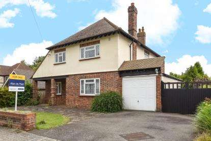 4 Bedrooms Detached House for sale in Craven Road, Orpington