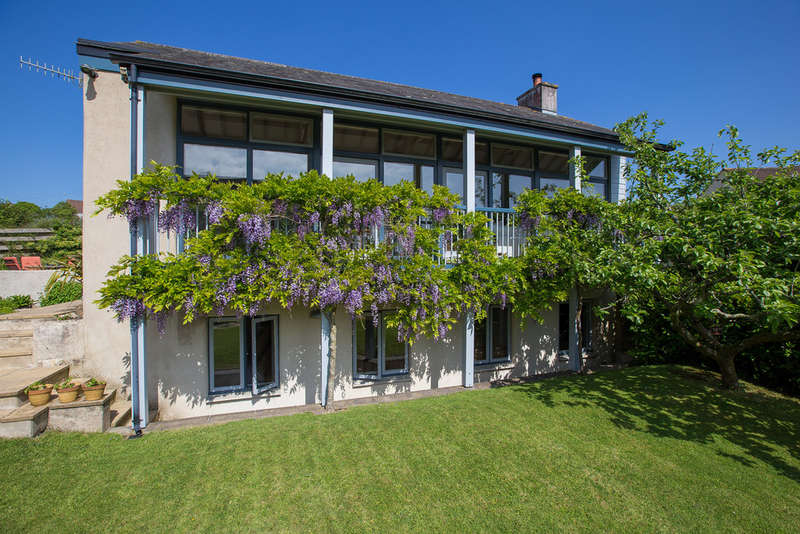 4 Bedrooms Detached House for sale in South Brent, Devon
