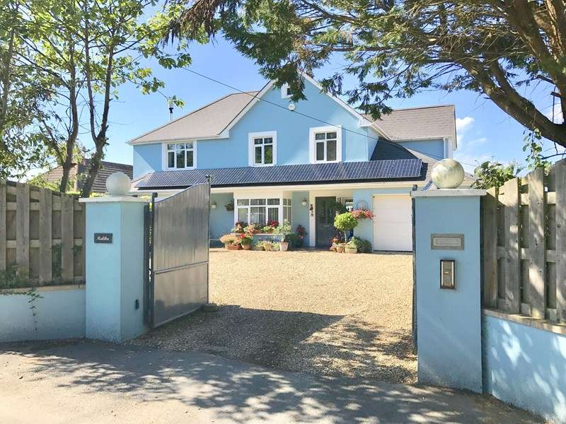 4 Bedrooms Detached House for sale in Slade, Bideford