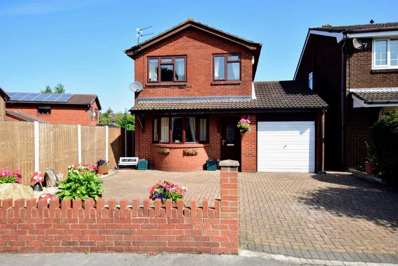 3 Bedrooms Detached House for sale in Southlands, Kirkham