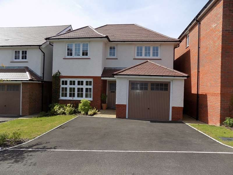 4 Bedrooms Detached House for sale in Gerddir Afon , Brynmenyn, Bridgend. CF32