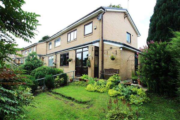3 Bedrooms Semi Detached House for sale in The Newlands, Sowerby Bridge