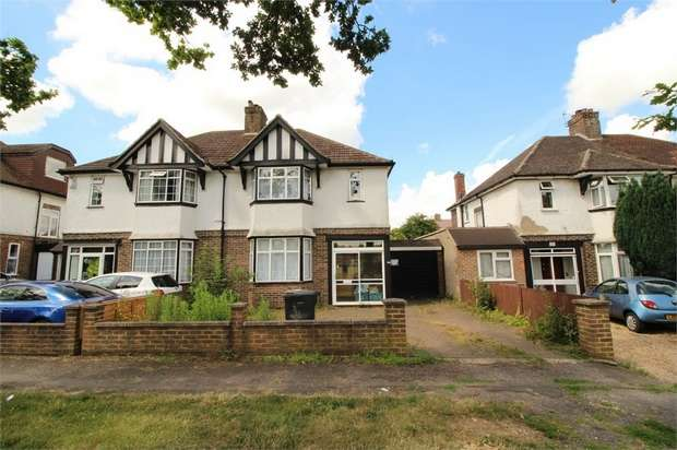 3 Bedrooms Semi Detached House for sale in Limpsfield Road, South Croydon, Surrey