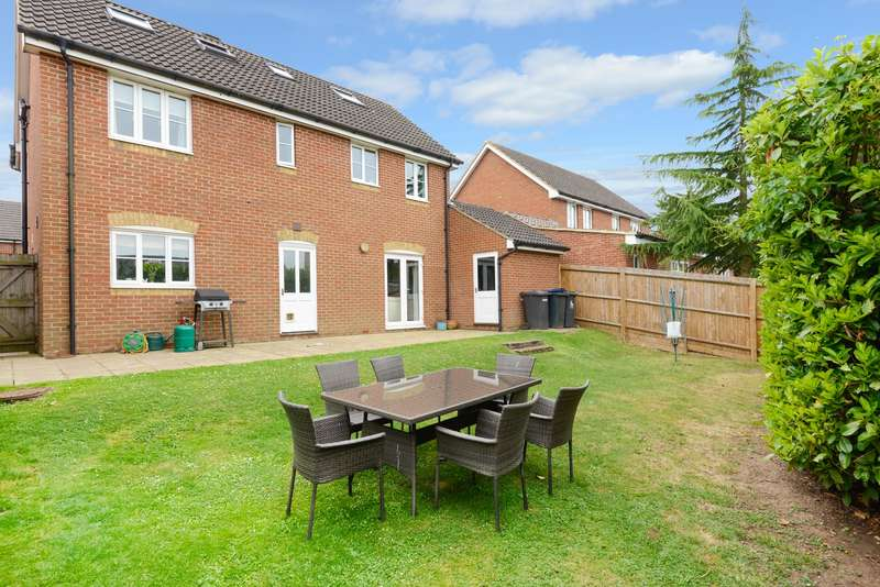 5 Bedrooms Detached House for sale in Magnolia Drive, Chartham, Canterbury, CT4