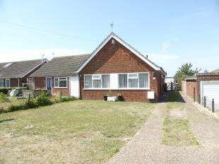 2 Bedrooms Bungalow for sale in Merritt Road, Greatstone, New Romney, Kent
