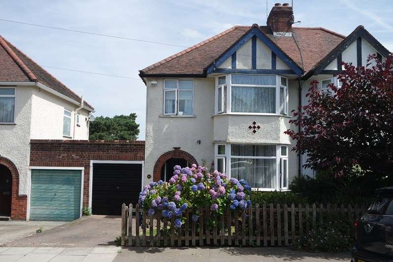 3 Bedrooms Semi Detached House for sale in Byng Road, High Barnet