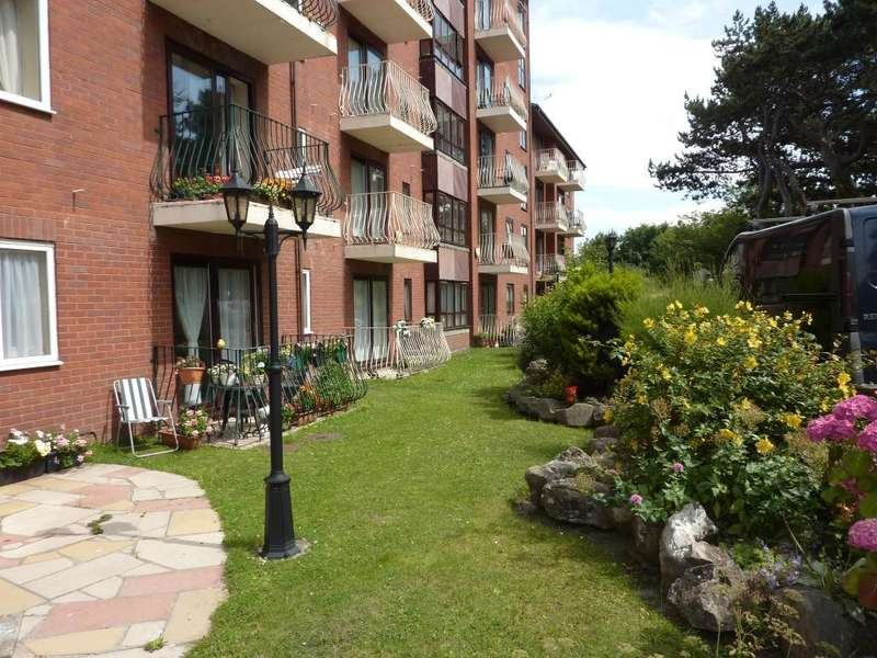 1 Bedroom Maisonette Flat for sale in Princess Court, Marine Road, Colwyn Bay, Conwy, LL29 8PQ