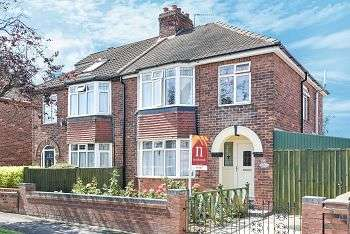 3 Bedrooms Semi Detached House for sale in Malvern Avenue, York, YO26