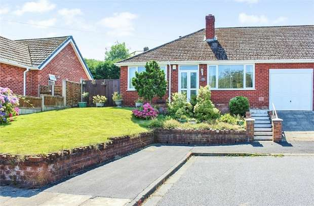3 Bedrooms Semi Detached Bungalow for sale in Troutbeck Grove, St Helens, Merseyside
