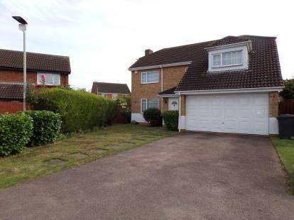 4 Bedrooms Detached House for sale in Buckfast Avenue, Bedford, Bedfordshire