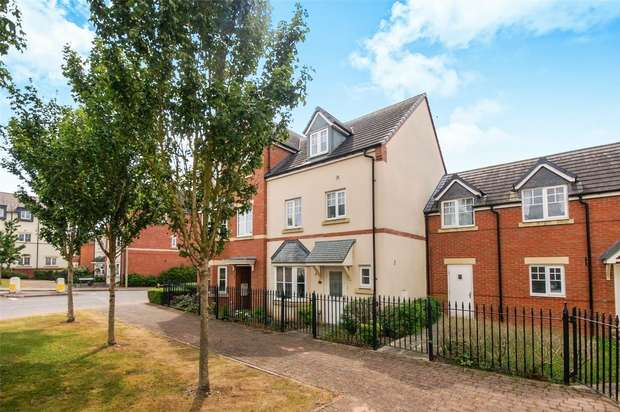 4 Bedrooms Town House for sale in Roundthorn Close, BRIDGNORTH, Shropshire