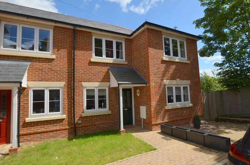 3 Bedrooms Semi Detached House for sale in Nawab Court, Chesham