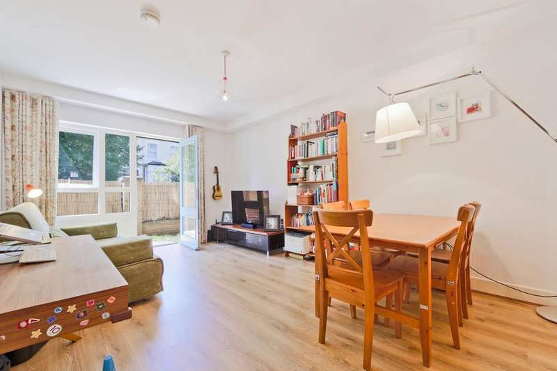 1 Bedroom Flat for sale in Queens Drive, London N4
