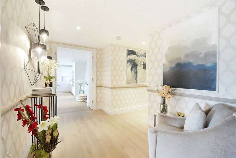 2 Bedrooms Apartment Flat for sale in Queens Wharf, Hammersmith, London