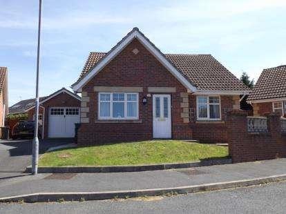 2 Bedrooms Bungalow for sale in Copa'r Bryn, Llysfaen, Colwyn Bay, Conwy, LL29