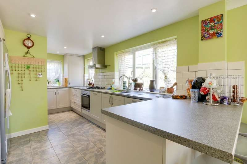 4 Bedrooms Detached House for sale in Sunnylands Way, Holcombe