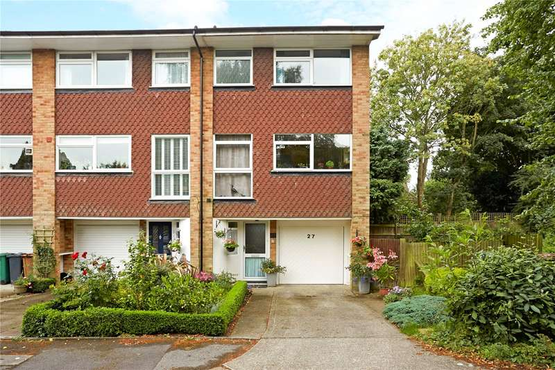 3 Bedrooms Terraced House for sale in Yorke Gardens, Reigate, Surrey, RH2