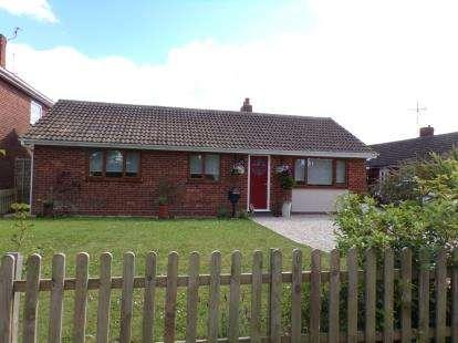3 Bedrooms Bungalow for sale in Fakenham, Norfolk