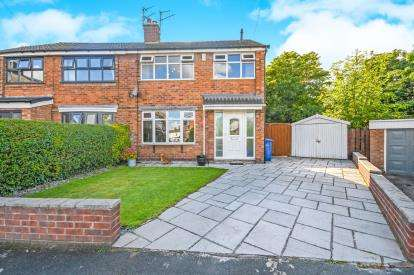 3 Bedrooms Semi Detached House for sale in St. Austell Close, Penketh, Warrington, Cheshire