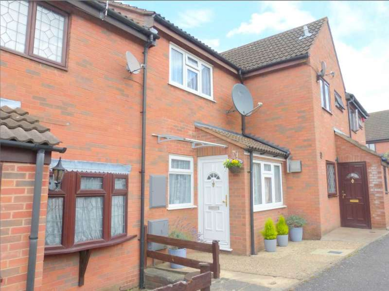 2 Bedrooms Terraced House for sale in Rodgers Close, Borehamwood