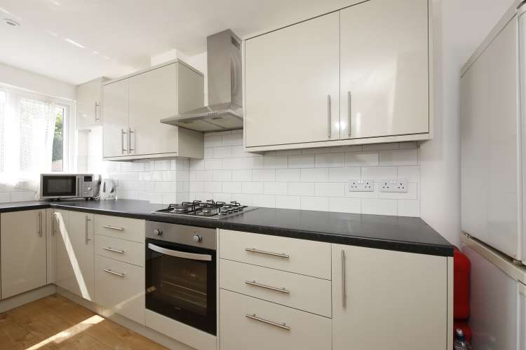 3 Bedrooms Terraced House for sale in Weigall Road Lee SE12