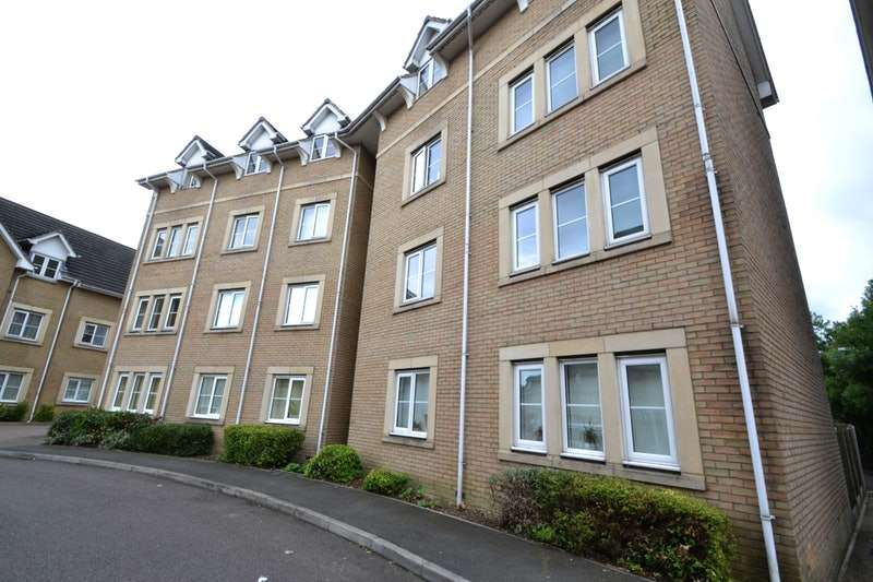 1 Bedroom Flat for sale in Walnut Close, Basildon, Essex, SS15