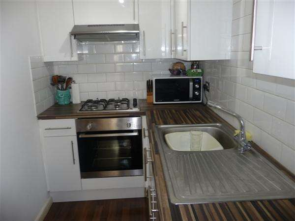 2 Bedrooms Apartment Flat for sale in Nelson Road, Southsea