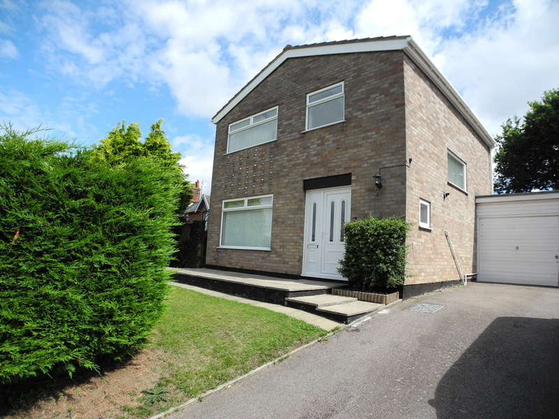 3 Bedrooms Detached House for sale in Pennyfields, Bungay