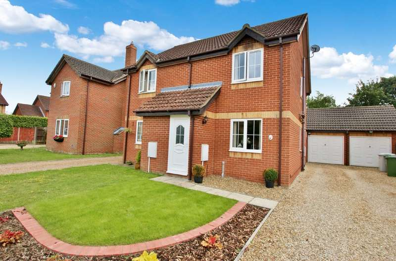2 Bedrooms Semi Detached House for sale in Vale Close, Norwich