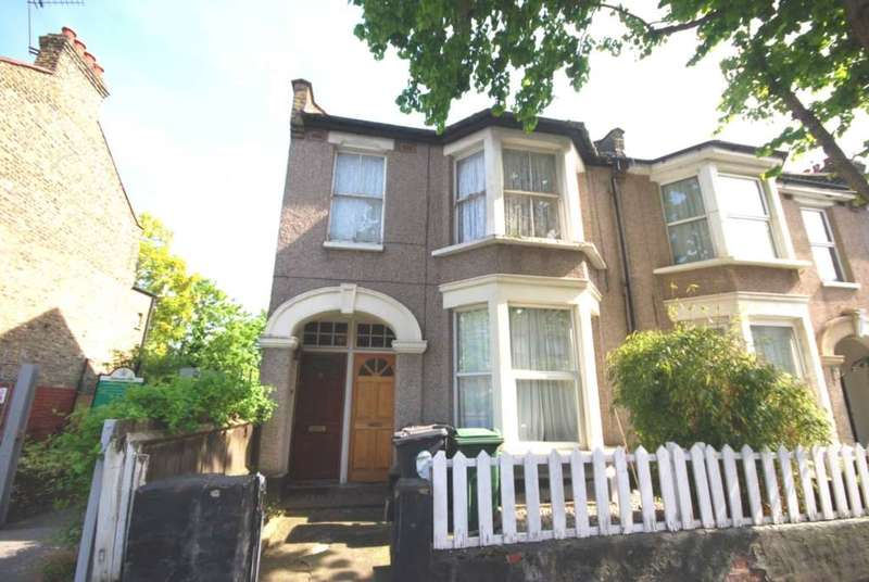 1 Bedroom Flat for sale in Huxley Road, Leyton