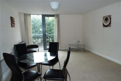 2 Bedrooms Flat for rent in Heathcoat House, Nottingham City, NG1 7HD