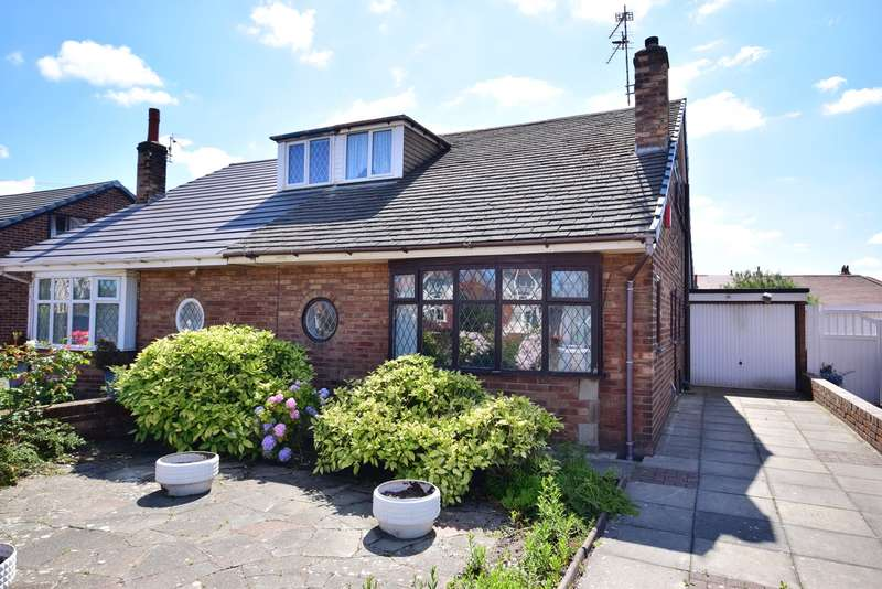 2 Bedrooms Semi Detached Bungalow for sale in St Leonards Road East, Lytham St Annes, FY8