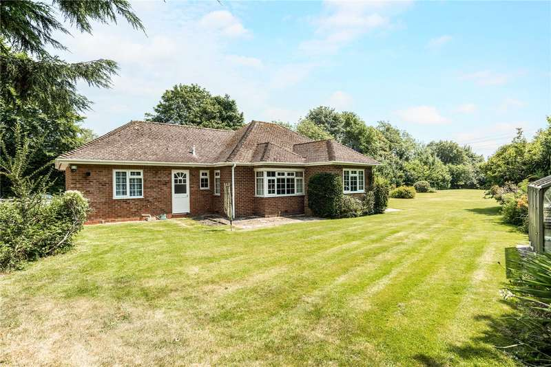 3 Bedrooms Detached Bungalow for sale in Littleworth, Pewsey, Wiltshire, SN9