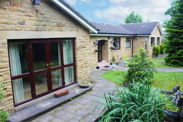 3 Bedrooms Detached Bungalow for sale in Hill Side Rise, Liversedge, West Yorkshire