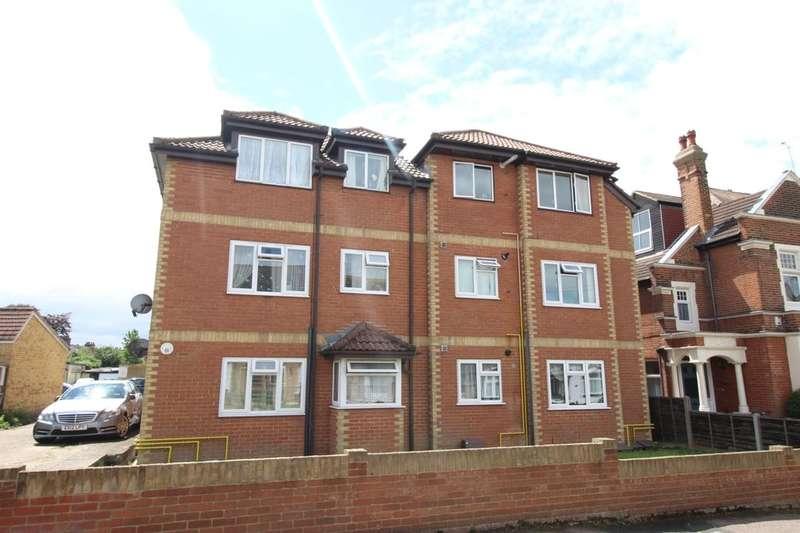 1 Bedroom Flat for sale in Essex Road, Gravesend, DA11