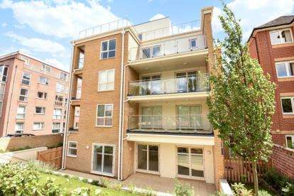3 Bedrooms Flat for sale in 11 Westwood Road, Southampton