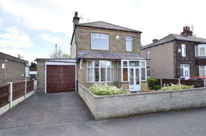 3 Bedrooms Detached House for sale in Peckover Drive, Pudsey, West Yorkshire