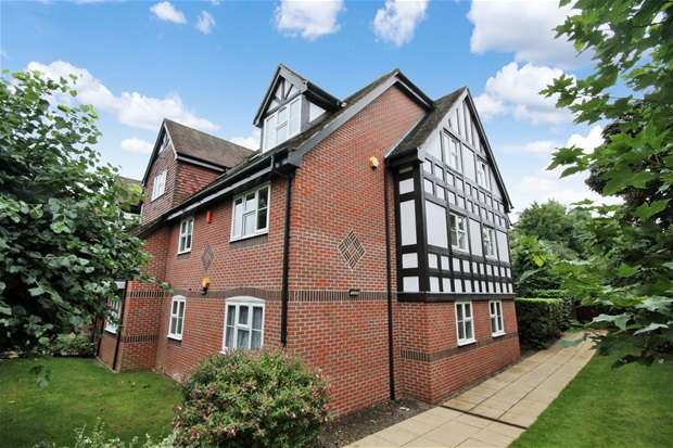 2 Bedrooms Flat for sale in Hitherfield Lane, Harpenden