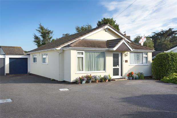 3 Bedrooms Detached Bungalow for sale in Davies Avenue, Whiterock, Paignton, Devon