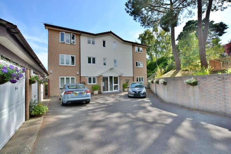 3 Bedrooms Apartment Flat for sale in Lower Parkstone, Poole, BH14 9NW