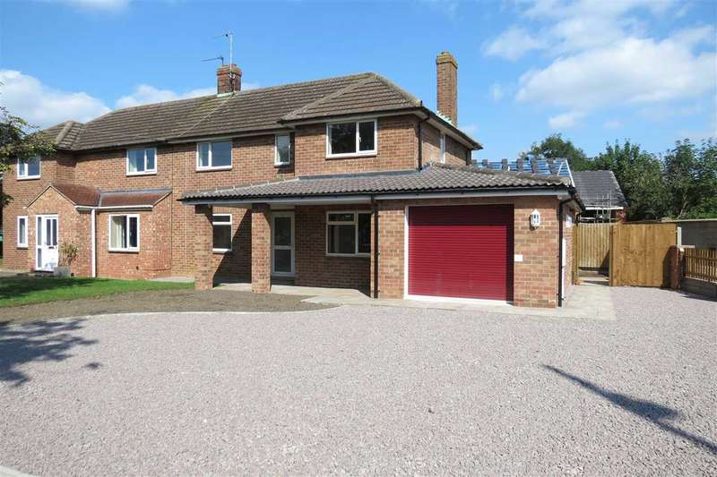 3 Bedrooms Semi Detached House for sale in Tennyson Avenue, Sleaford