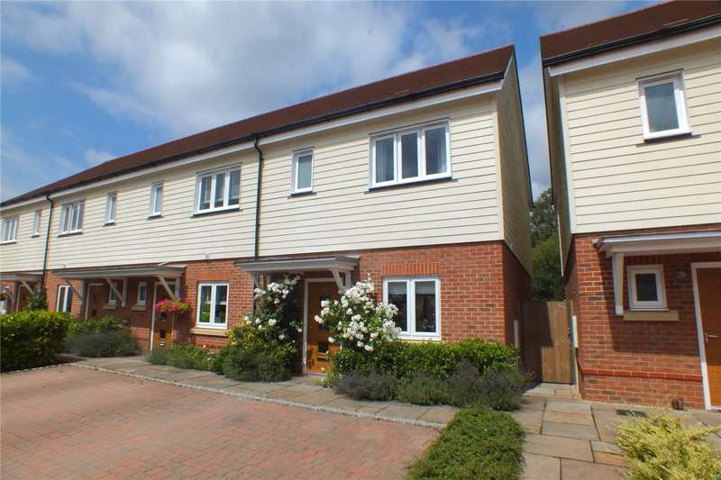 3 Bedrooms Semi Detached House for sale in Willowbourne, Fleet, GU51