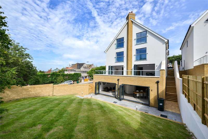 5 Bedrooms Detached House for sale in Hill Drive, Hove, East Sussex, BN3