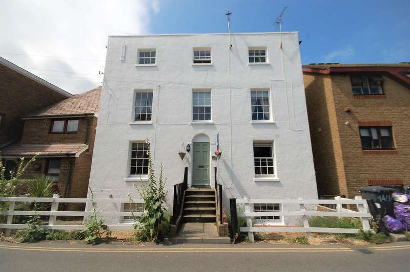 1 Bedroom Flat for sale in Middle Wall, Whitstable